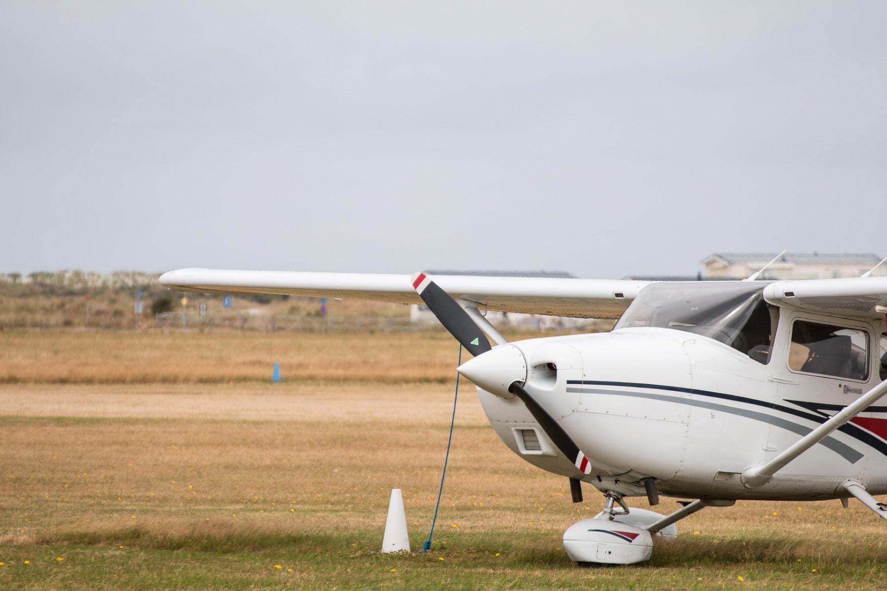 sport-aircraft-3540536_1920